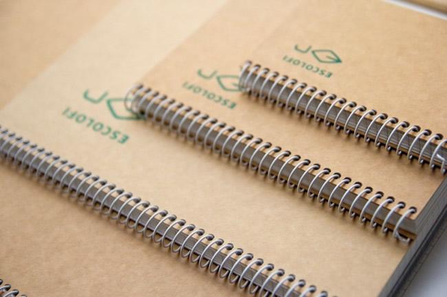 Escolofi y sus cuadernos reciclados